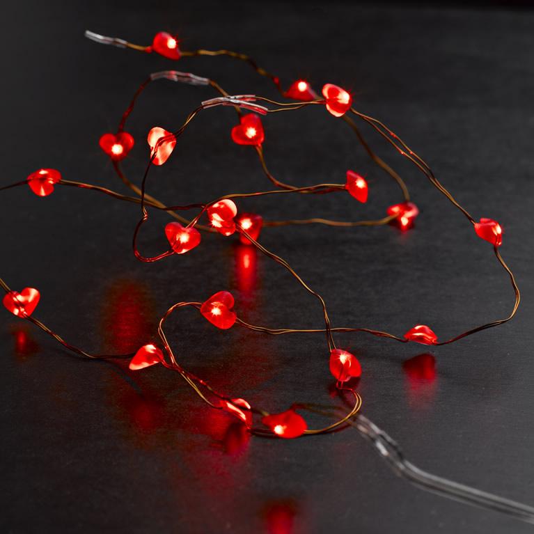 LED světelný řetěz na baterie srdíčka 1,9m/20 LED