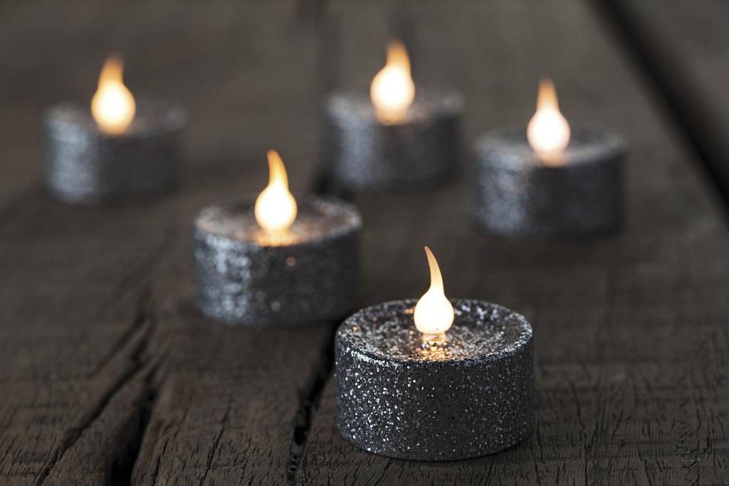 Čajové LED svíčky 6 ks stříbrné